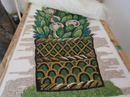 Copia in mosaico di decorazione floreale del Museo di Galla Placidia - autore Greta Guberti, Ravenna