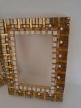 Cornice realizzata a mosaico - opera di Greta Guberti