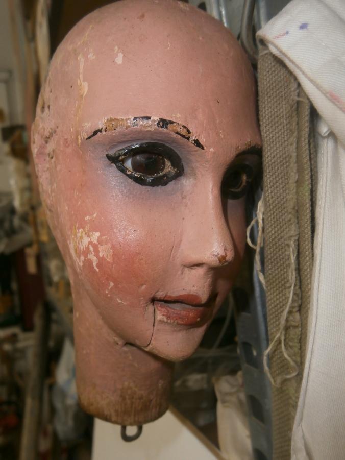 Viso in terracotta - Mangiafuoco officina d'arte e artigianato