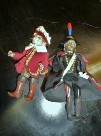 Il gatto con gli stivali e il carabiniere - Marionette - Mangiafuoco officina d'artee artigianato - Ravenna