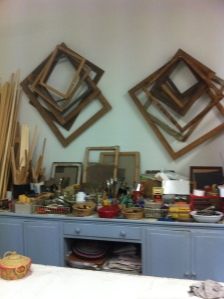 Tavolo di lavoro nel Laboratorio di Restauro Pittorico di Elisabetta Ghirardini - Reggio Emilia
