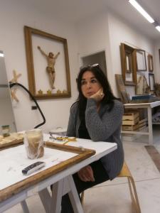 Roberta Notari restauratrice di sculture presso Laboratorio di Restauro e Conservazione Opere d'Arte Reggio Emilia