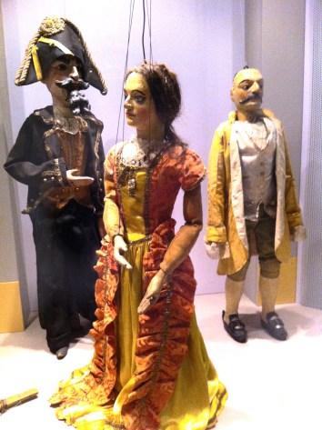 Vetrina di marionette nel Castello dei burattini di PR