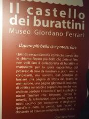 Cartellone d'ingresso Castello dei burattini di Parma.