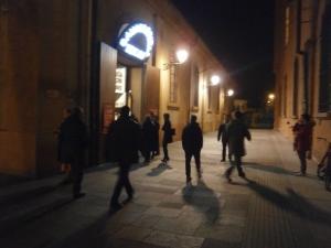 Teatro Cavallerizza di Reggio Emilia - l'ingresso prima dello spettacolo
