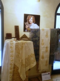 Anna Varini Decoratrice su tessuti