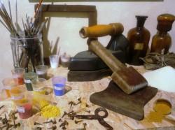 Attrezzi di lavoro per restauro pittorico