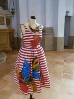 Stella Jean abito pittura a mano 2014 - Mostra Il gusto della Contaminazione - MO - 28 maggio- 19 luglio 2015