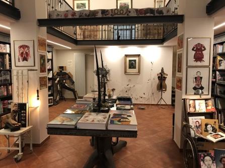 Mirabilia, libreria di Lina Vergara - foto @maninmente