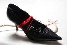 scarpe legate